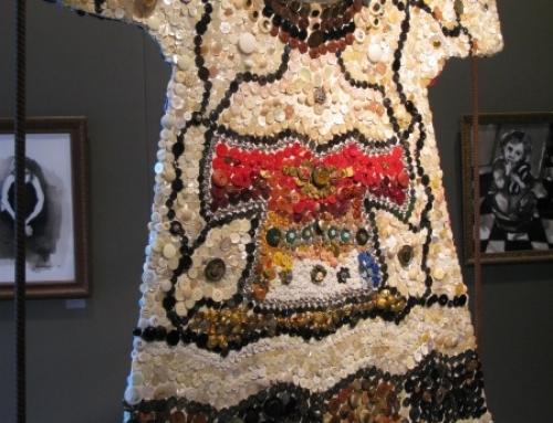 la robe aux 4000 boutons